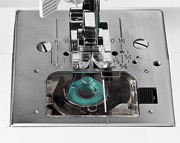 Top bobbin drop in on Singer 4452 sewing machine reviews