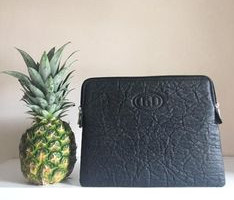 Pinatex leather from pineapple fibers