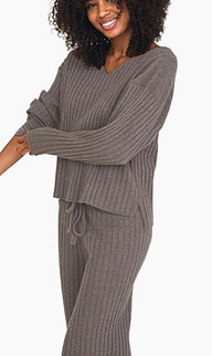 Vit. A one of the sustainable women clothing brands uses recycled cashmere yarn