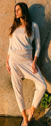 Hareem yoga pants from Beaumont organic yoga clothes for women